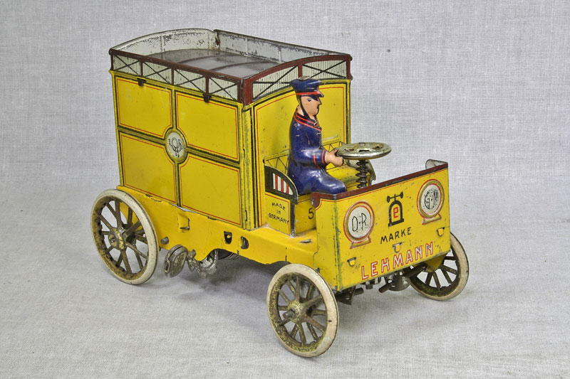 yellow-mail-truck-for-site-001